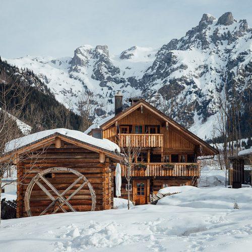 csm_travel-charme-werfenweng-aussen-stroblhaus-winter_265b87de2c