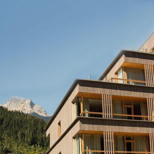 falkensteiner-hotel-schladming-exterior-6-square