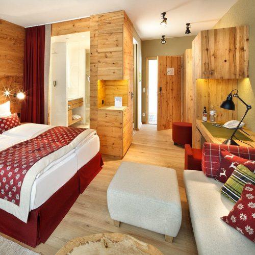 falkensteiner-hotel-schladming-rooms-deluxeplusroom-square